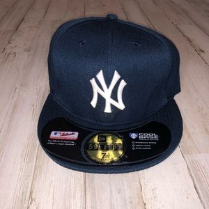 New Era NY Yankee Fitted SnapBack Hat 7.5